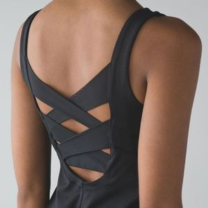 Lululemon Rise and Flow Adjustable Tank Black Sz 2